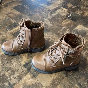A few scuff kids size 10 boots.